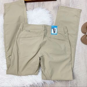Columbia OmniSheild Tan Pants Dryfit D1986